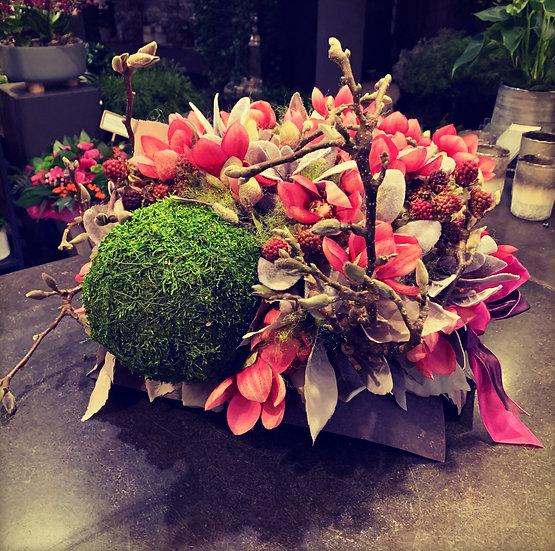Mooi groot zijdestuk met fushia magnolia's...