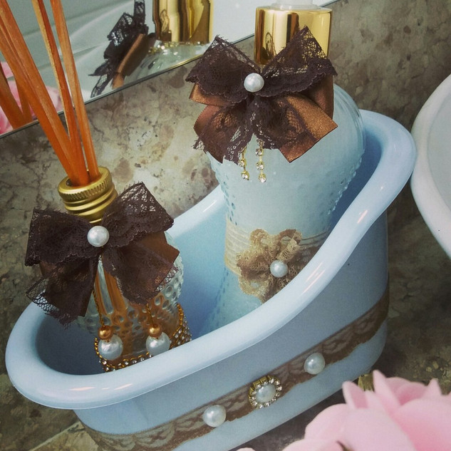 kit-lavabo-com-banheira-difusor-e-sabone