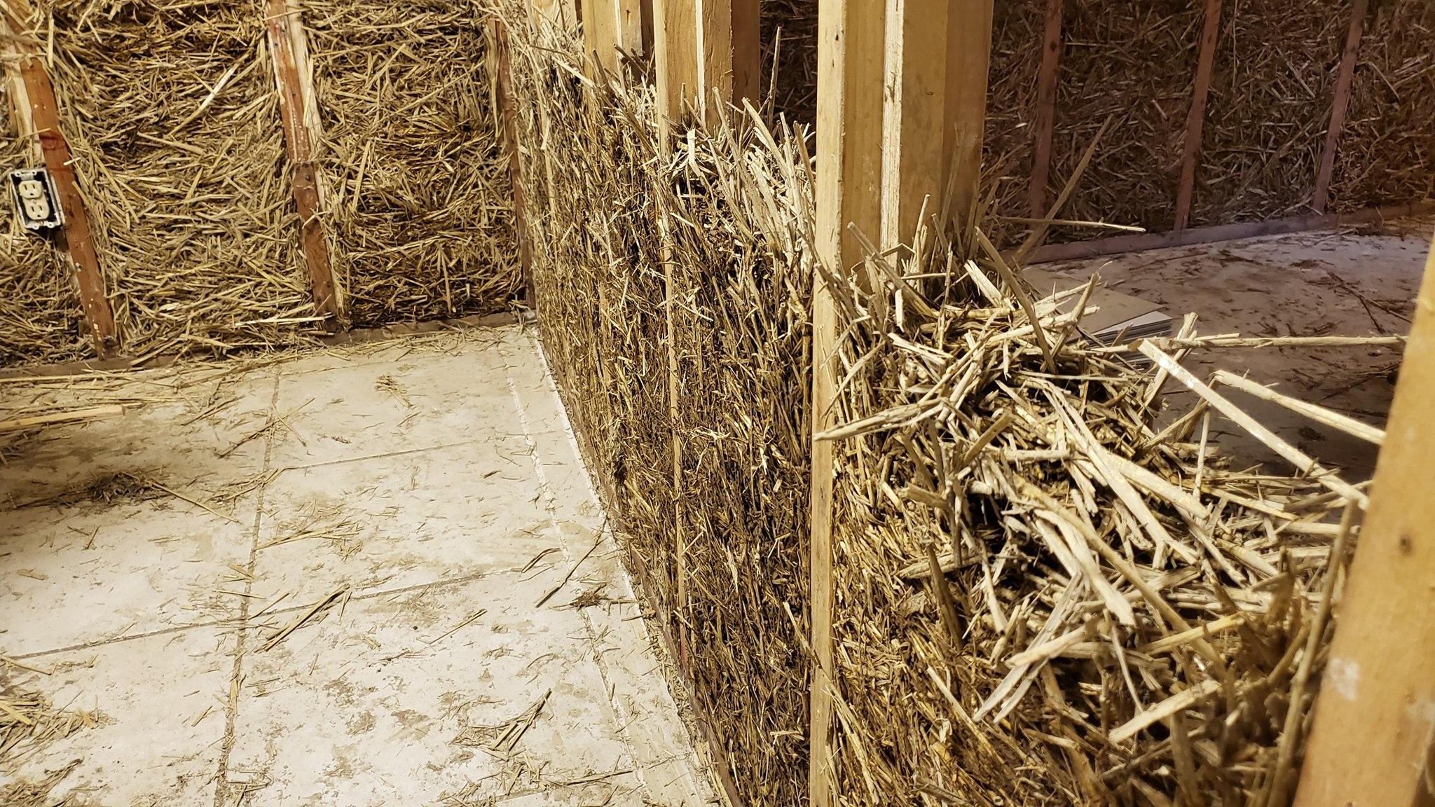straw clay gigi