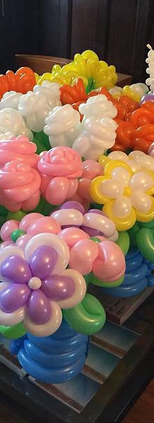 Balloon art, balloon sculpture, birthday cake, Washington DC balloon artist, Zippy, Julie Zauzmer