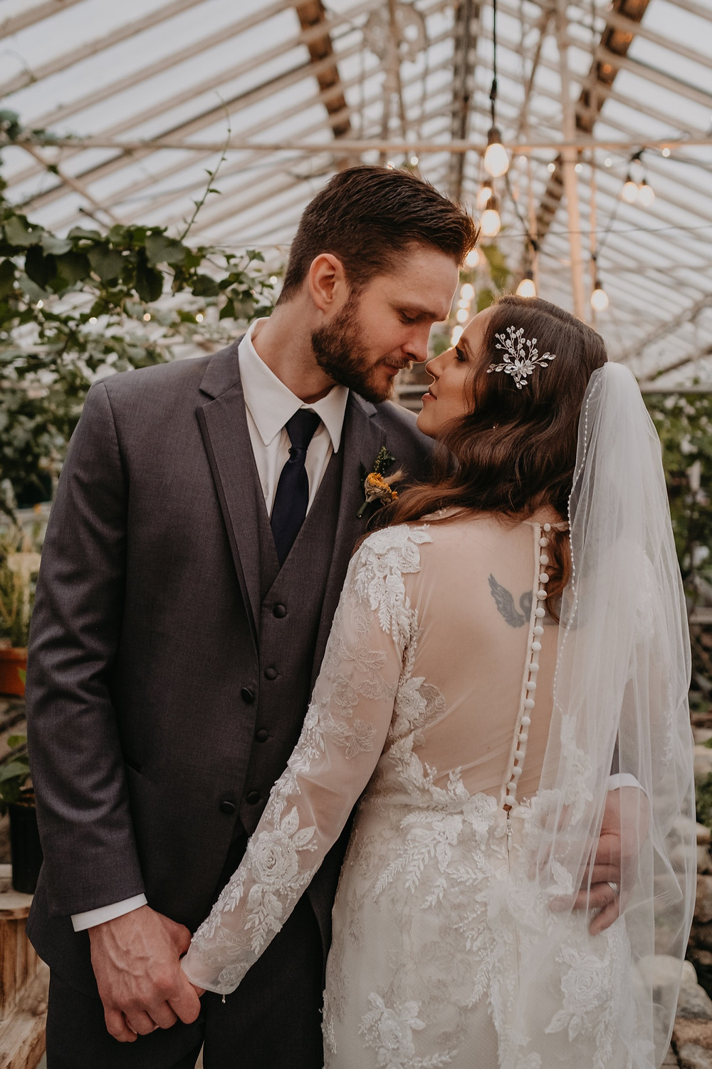 Candid lifestyle wedding photography. Photographed by Nicole Leanne Photography.