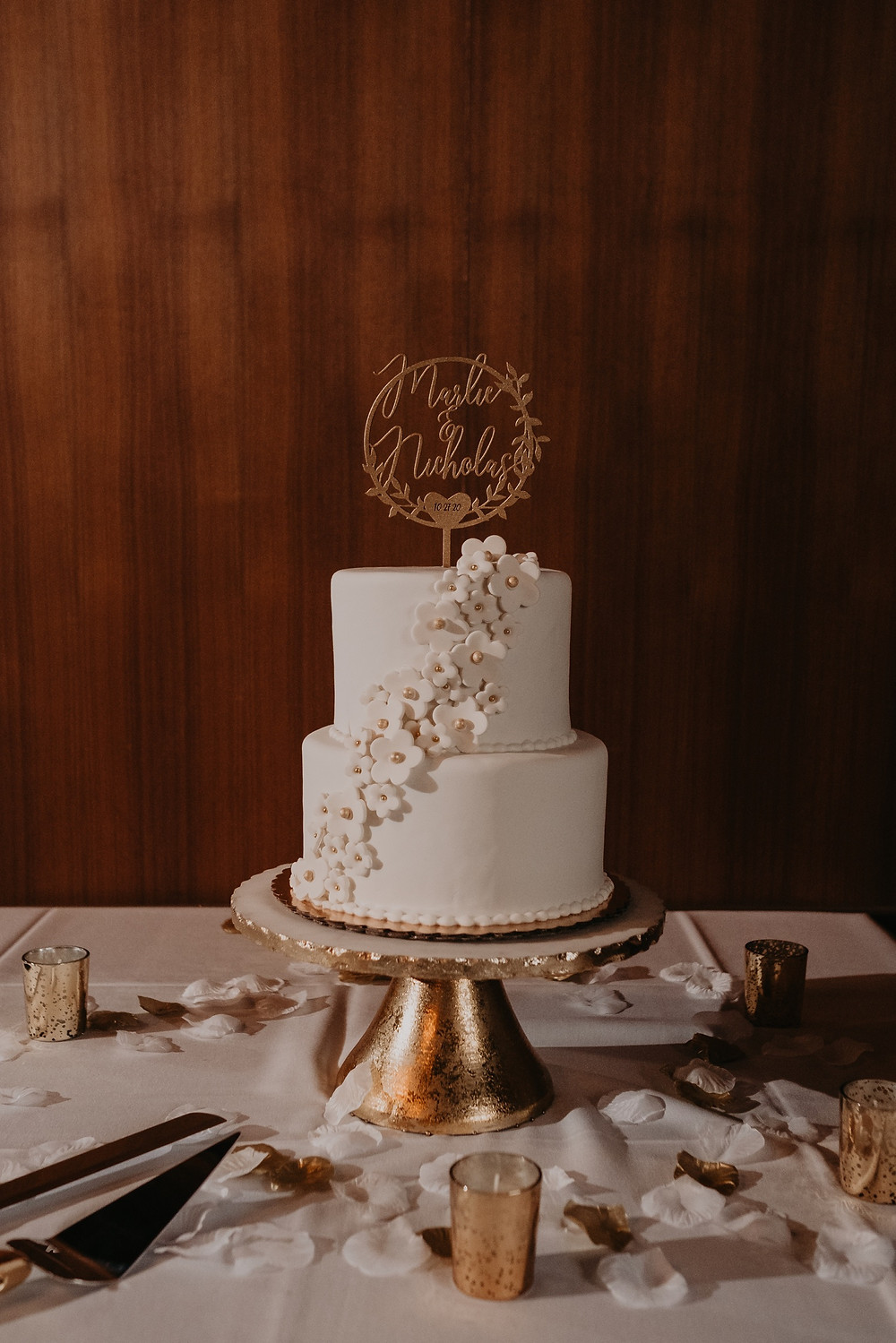 Two tie wedding cake in Metro Detroit. Photographed by Nicole Leanne Photography.