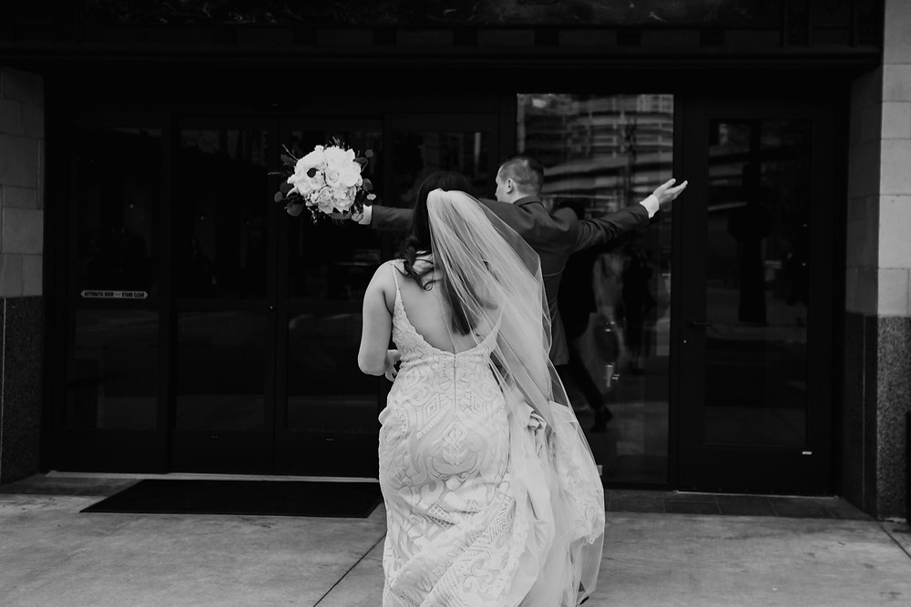 Wedding at Element Detroit hotel in Downtown Detroit Michigan. Photographed by Nicole Leanne Photography.