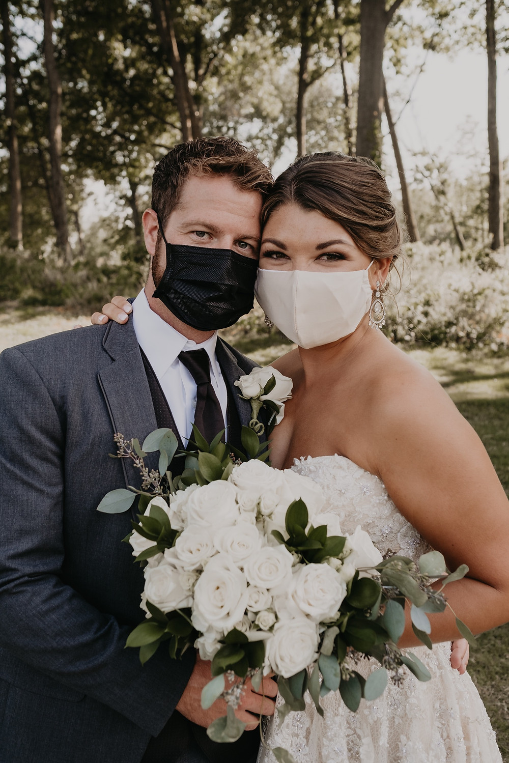 Pandemic bride and groom in Metro Detroit. Photographed by Nicole Leanne Photography.