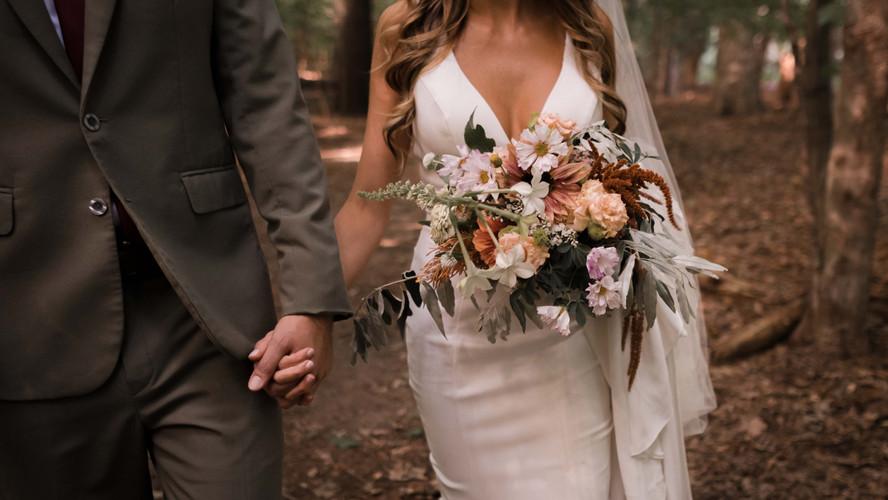 23_erin+charlie_livonia-backyard-wedding