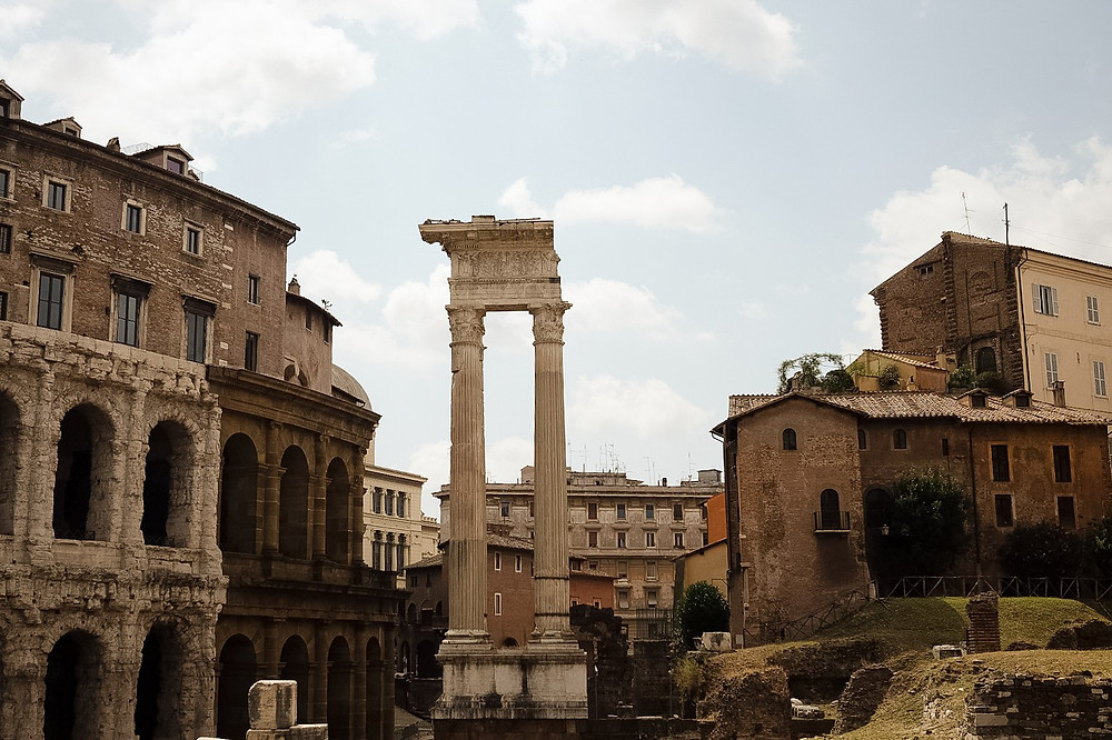 ruins at the Roman Forum and Palatine Hill