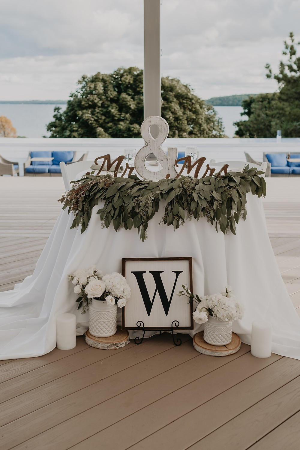 Sweetheart table at Mackinac wedding. Photographed by Nicole Leanne Photography.