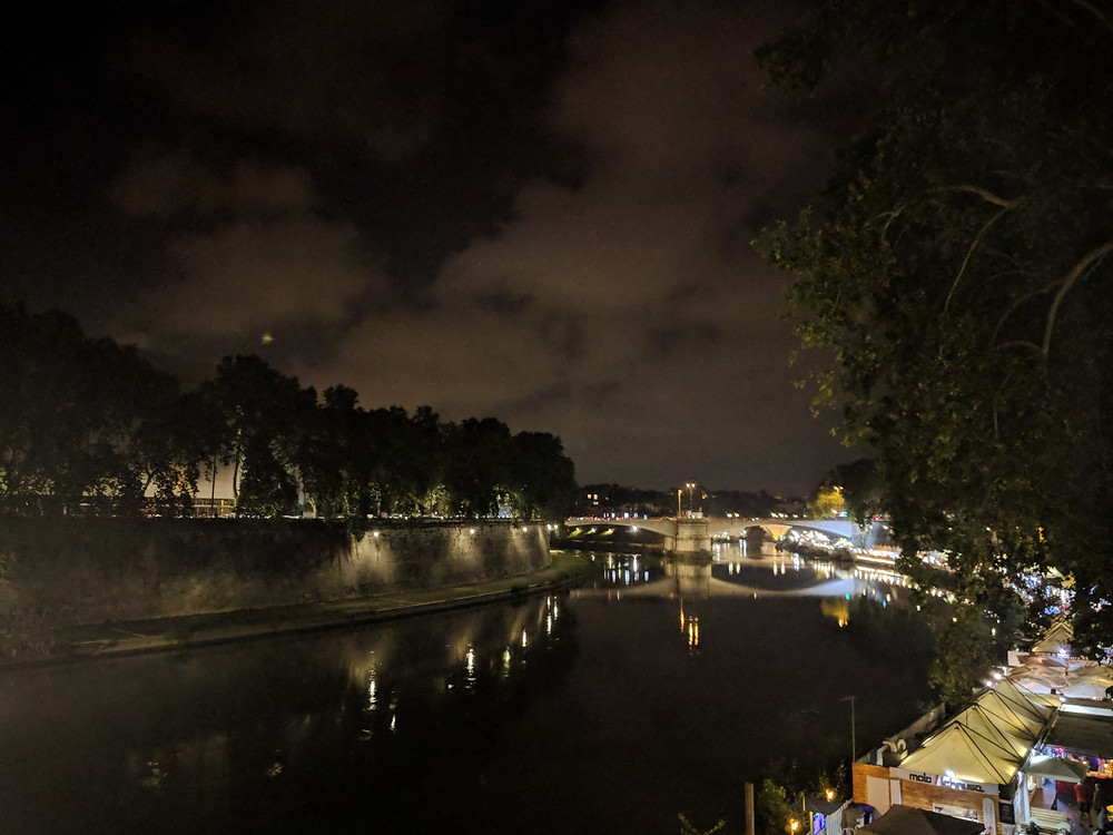 river at night along the Trastevere