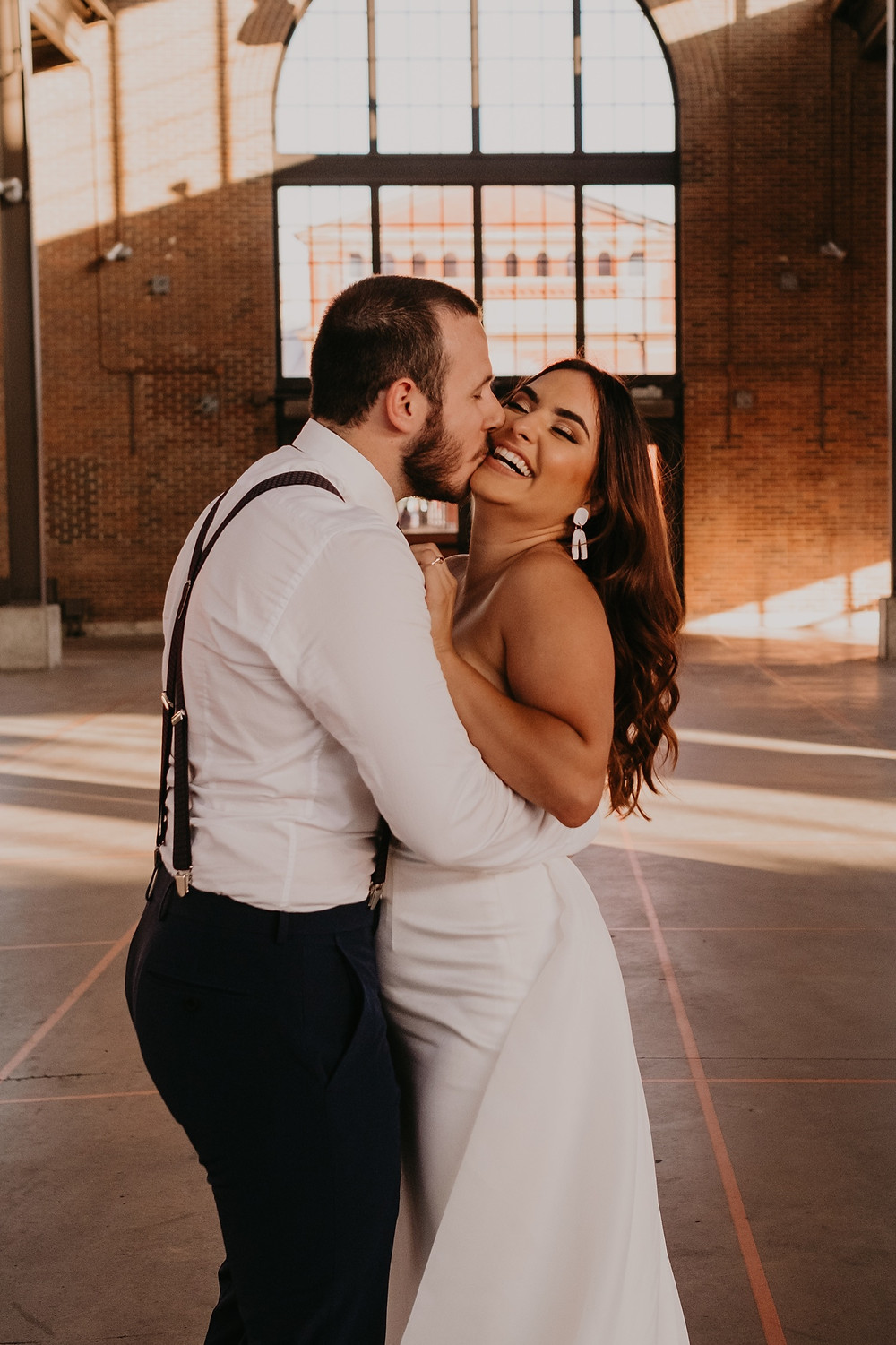 Eastern Market Detroit intimate wedding ceremony. Photographed by Nicole Leanne Photography.
