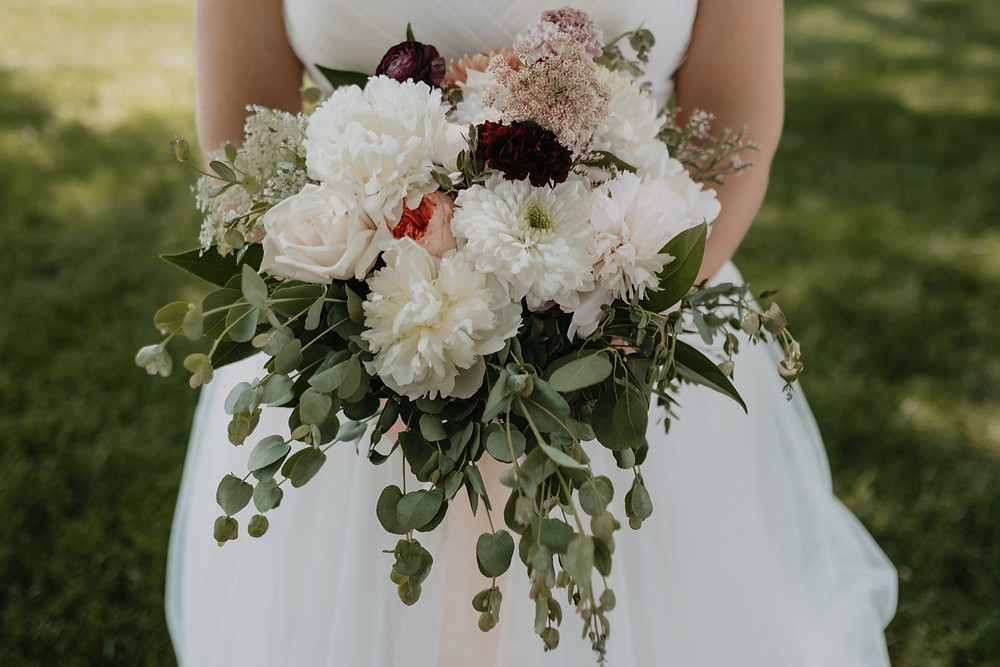 Fresh and classic wedding floral bouquets. Photographed by Nicole Leanne Photography.