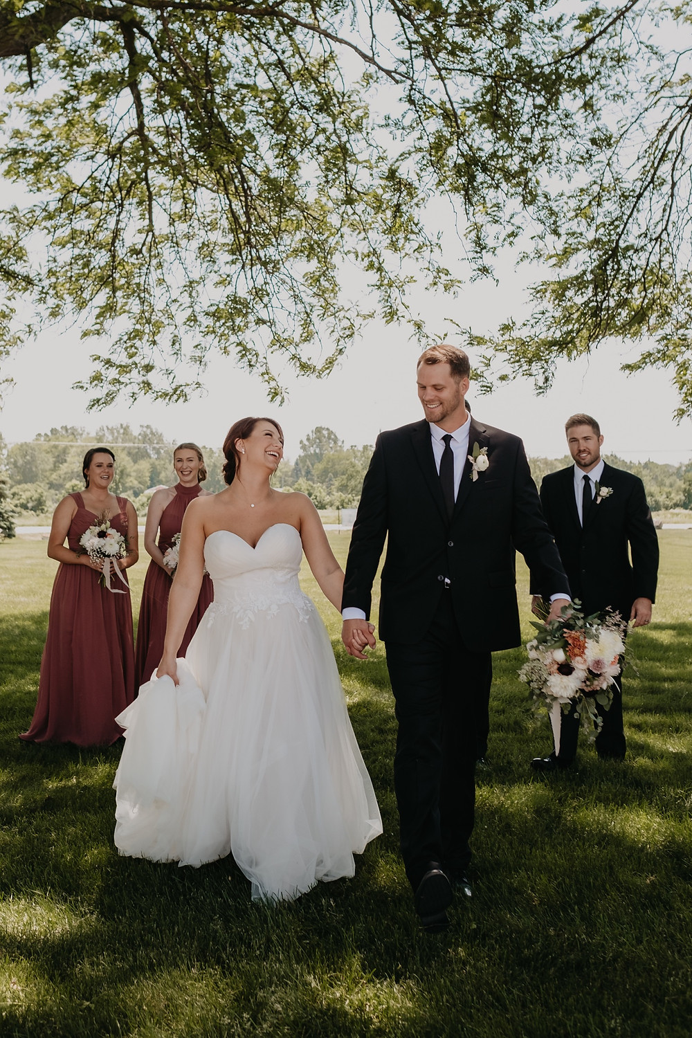 Unposed and authentic wedding photography. Photographed by Nicole Leanne Photography.