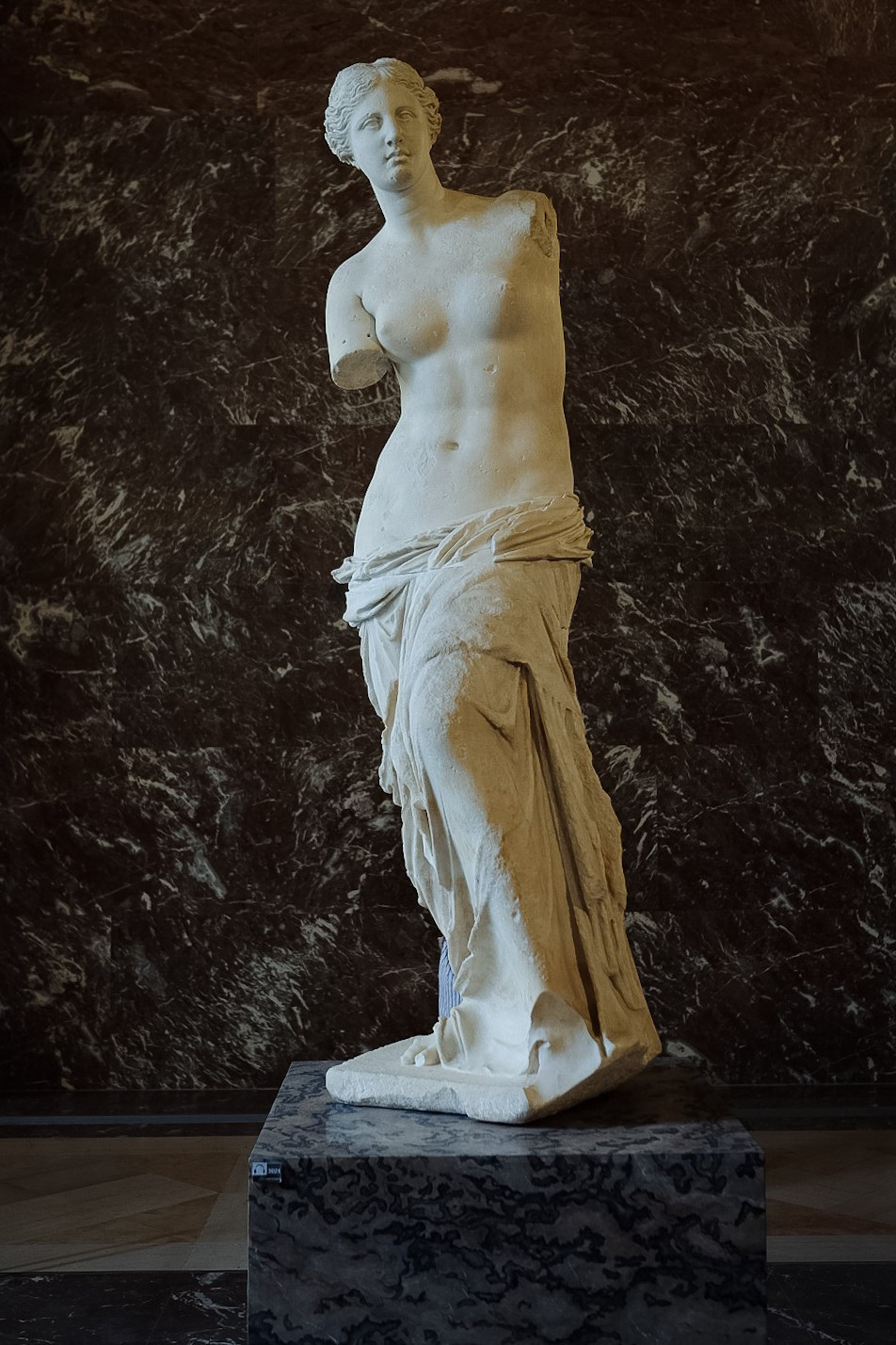 greek sculpture, the louvre