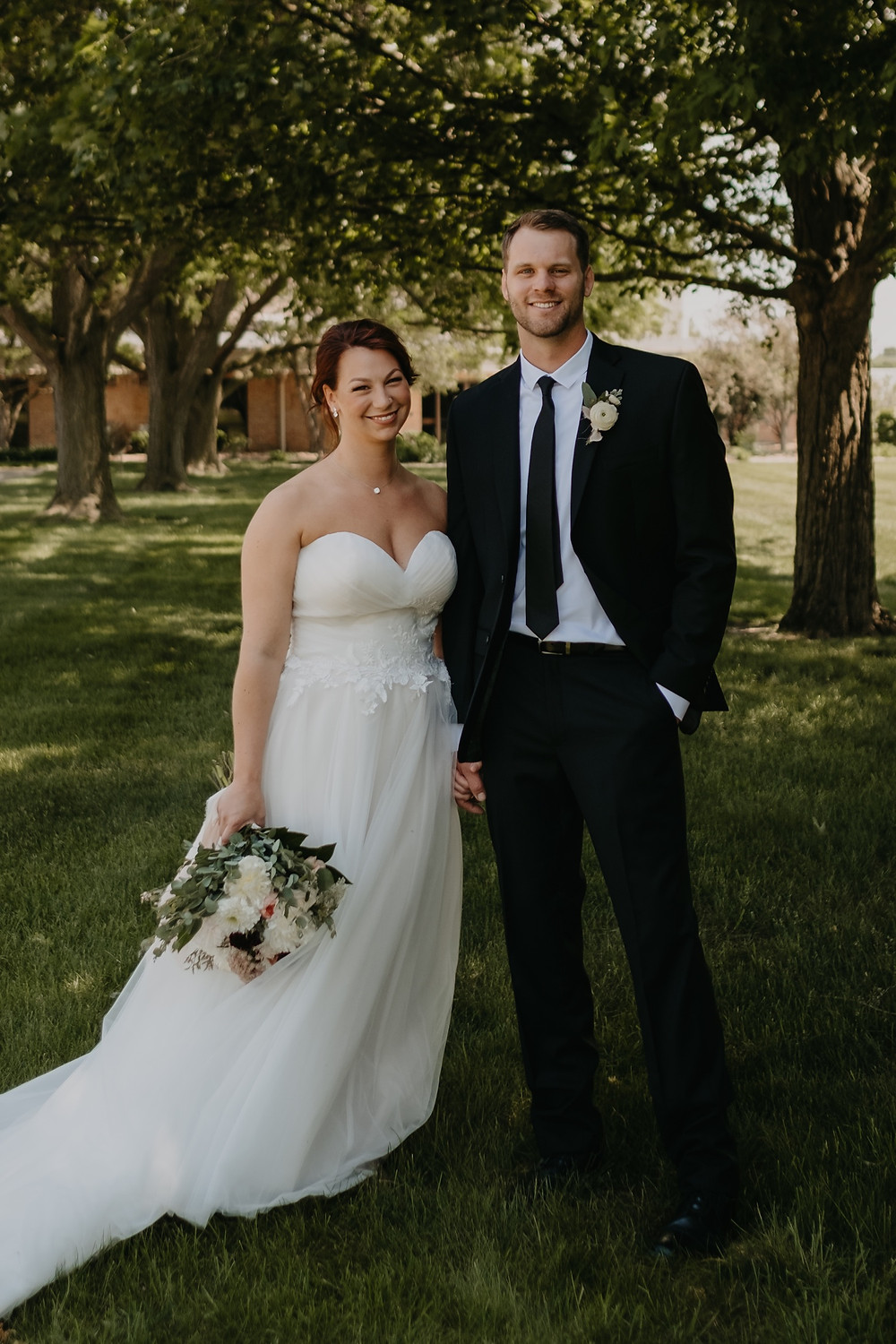 Spring wedding photography in Metro Detroit. Photographed by Nicole Leanne Photography.