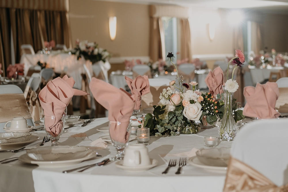 Table scape for Spring wedding. Photographed by Nicole Leanne Photography.