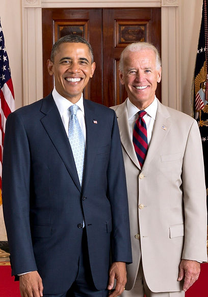 Official_portrait_of_President_Obama_and