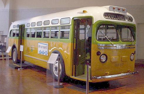 Rosa_Parks_Bus.jpg
