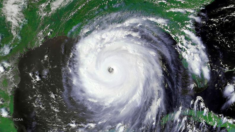 1563v1_20050828-Katrina_NOAA-16.jpg