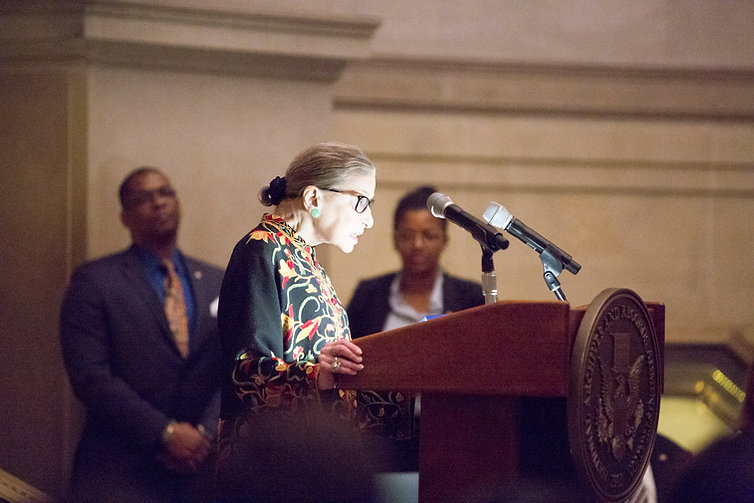 Ginsburg_speaks_at_naturalization_ceremo