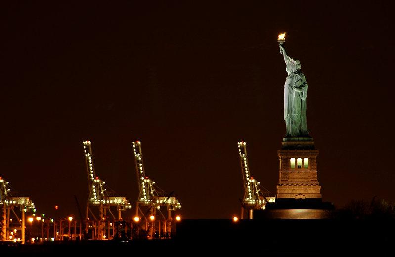 StatueOfLibertyNight6.jpg