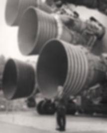 S-IC_engines_and_Von_BraunNASA.jpg
