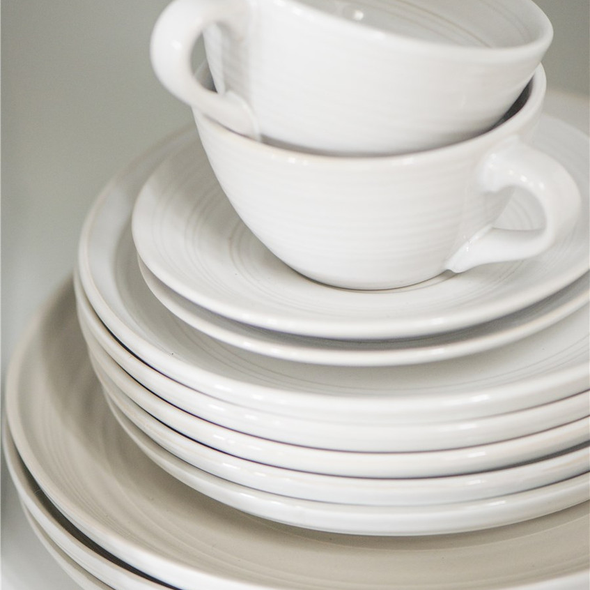 White Simple Plate
