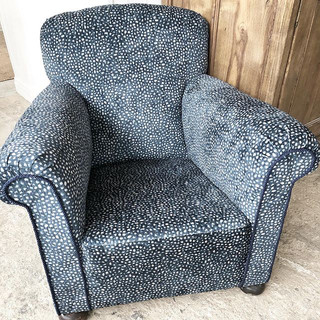 Just finished this gorgeous chair in blu