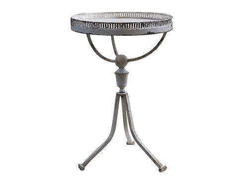 Iron Table w.Lace Edge