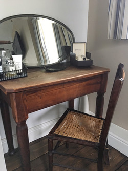 Gentlemans desk come dressing table