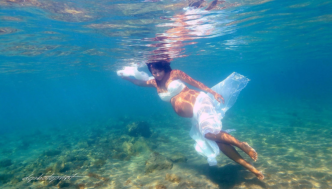 Beautiful Bride Swimming Underwater at ayia napa, cyprus | weddings photographer ayia napa, cyprus wedding photography ayia napa best prices