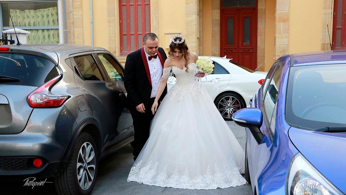 Bride and groom near a white wedding car | photographers in nicosia cyprus, nicosia photographer, nicosia photographers cyprus, photographers in Nicosia