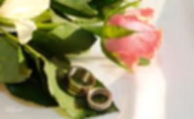 amazing BVLGARI Wedding rings on bouquet of roses |  wedding photography larnaca, wedding photographers in larnaca cyprus, photographer larnaca cyprus, wedding photography larnaca