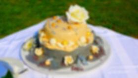 Beautiful yellow wedding cake | wedding protaras photographer photography, cyprus wedding photography protaras