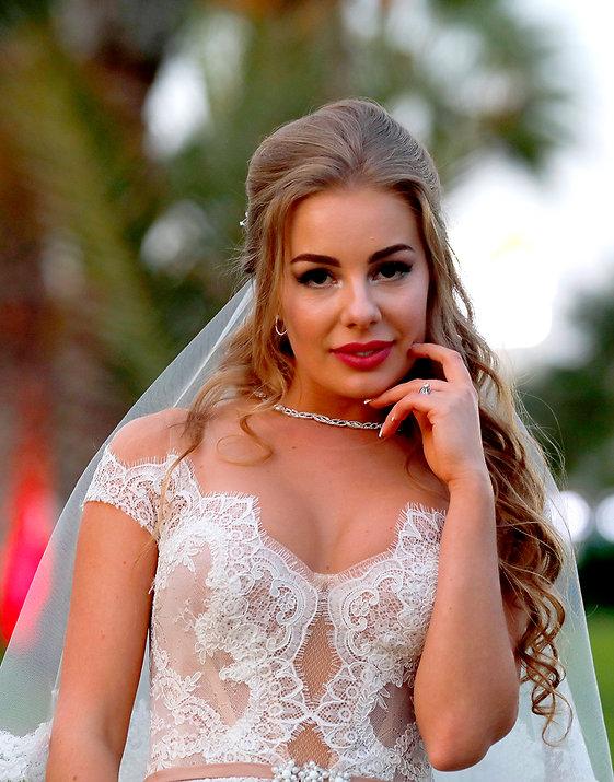 Portrait of beautiful bride at Golden Bey Beach Hotel in Larnaca | wedding venues in larnaca cyprus, wedding packages in larnaca, lebanese weddings - photoprint cyprus