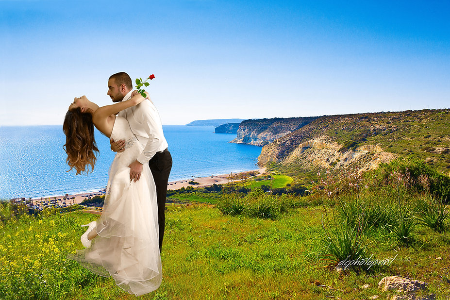 We offer a fantastic choice packages of wedding abroad photography, for an unforgettable wedding in Peyia, Paphos. Make your celebration extra special with a unique & lasting memory of your Big Day !