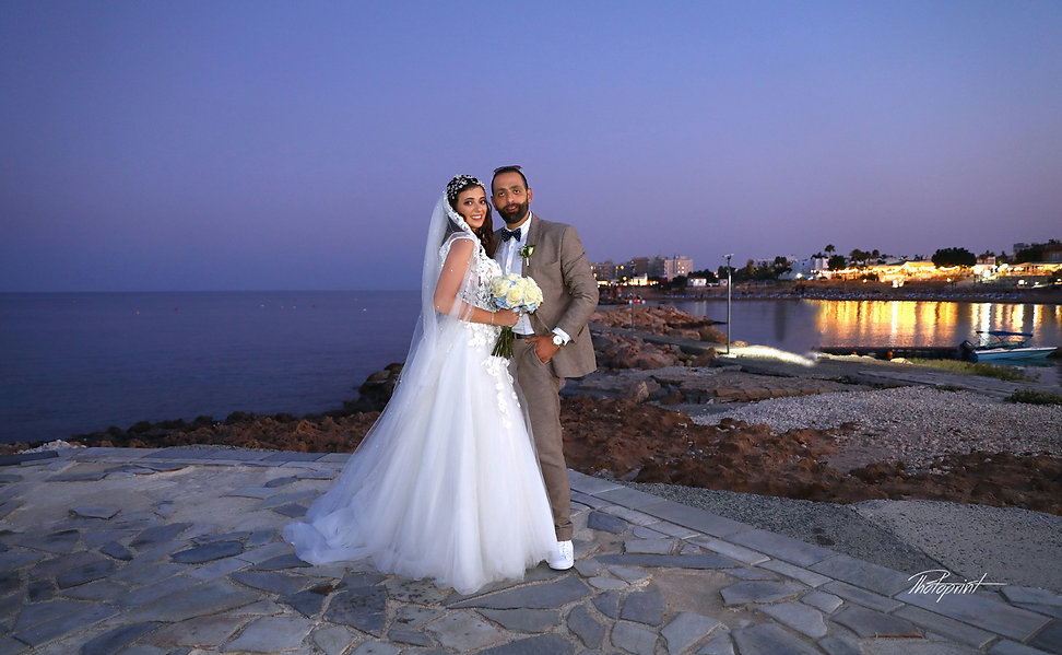 Beautiful and gentle wedding photo session outdoors of the elegant couple | wedding photographer prices