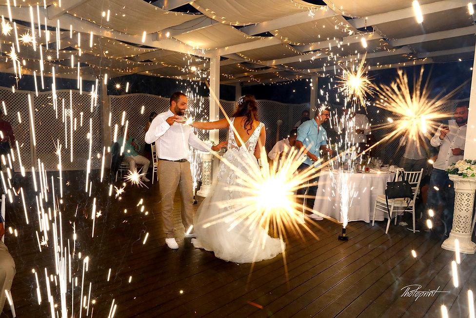 Amezing fireworks show at wedding party | cyprus wedding photgrapher