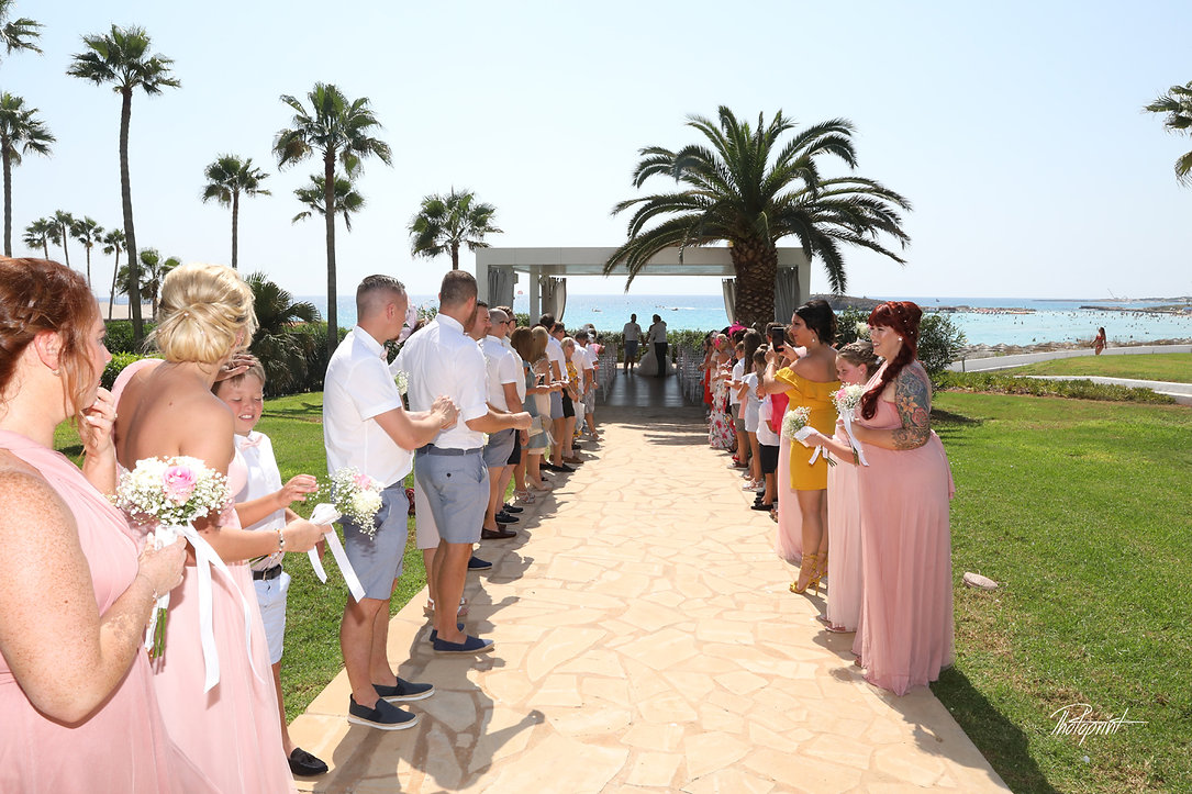 guests are expecting honeymooners after the wedding in  Nissi BeachResort in Ayia Napa |