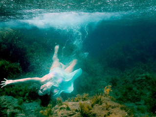 Underwater wedding photographer Paphos | dcphotoprint
