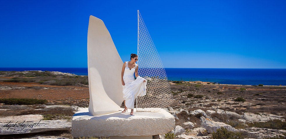 Stunning and imaginative photographs that capture the essence of your day in a relaxed and creative way by Demetris reportage wedding photographer | beach weddings