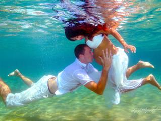 the cyprus wedding photographer - Underwater wedding photography