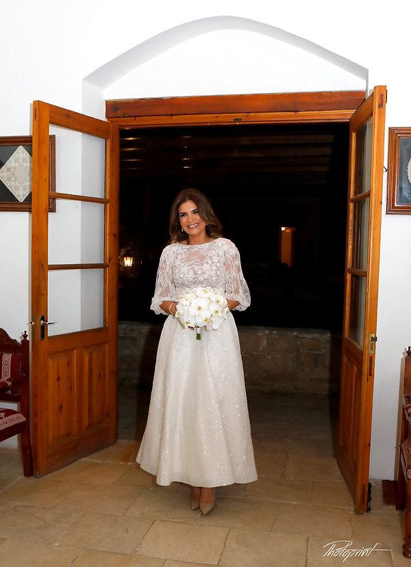 happy newlywed woman with wedding flowers | wedding photographers yermasoyia cyprus, wedding yermasoyia photography cyprus