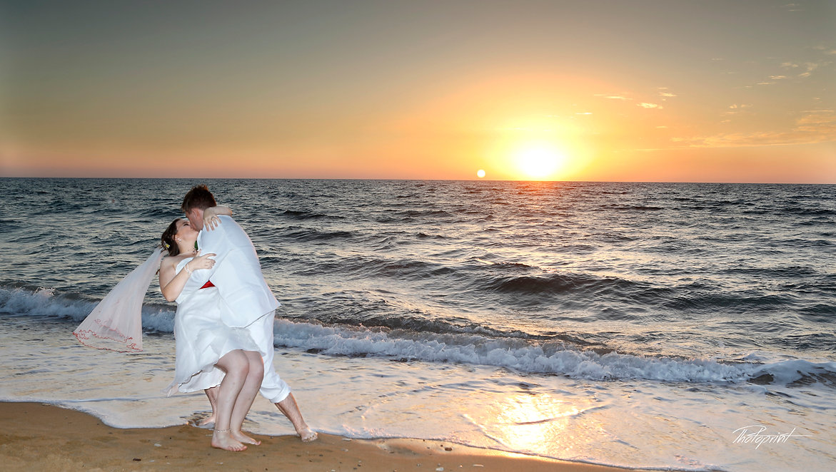 Romantic beach wedding at sunset | cyprus dream wedding photography Paphos, cyprus Paphos  wedding photography costs, marriage at city hall Paphos, city Town hall marriage at Paphos