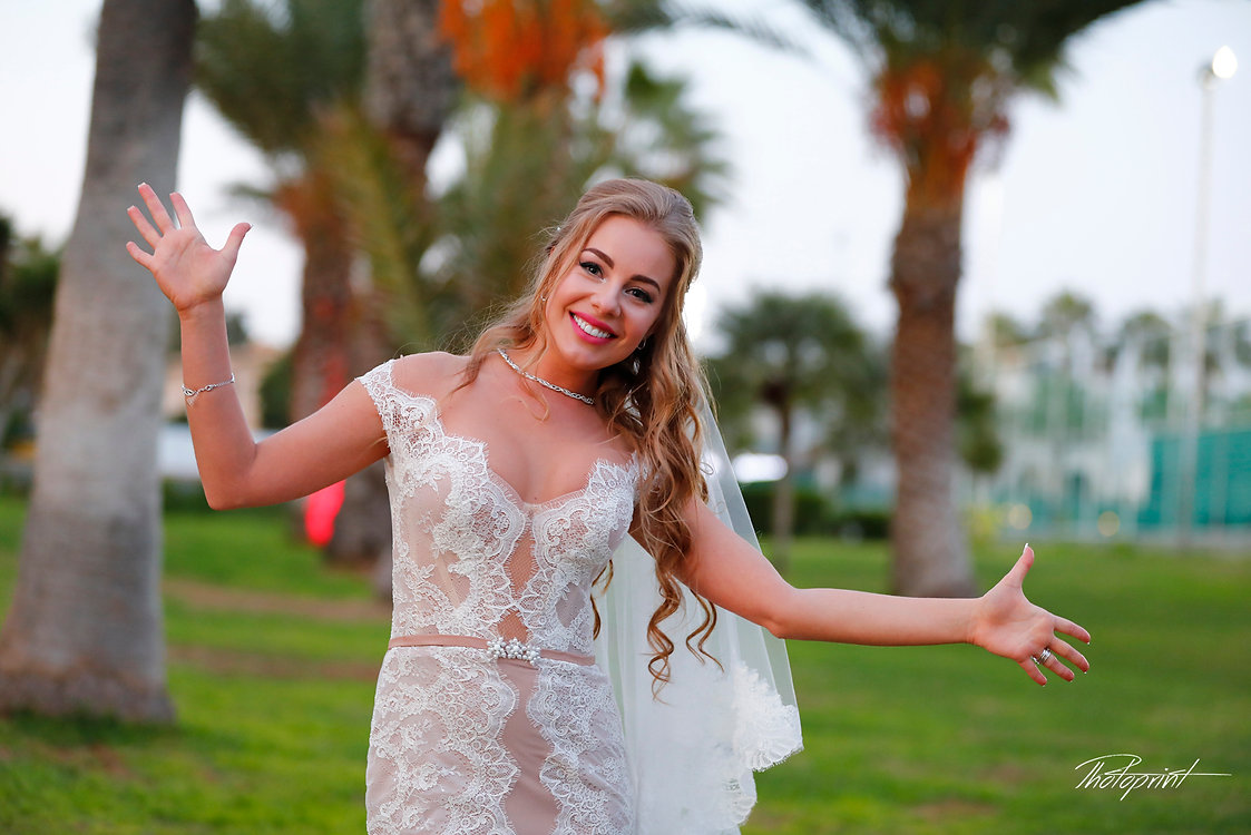 Portrait Of Beautiful Bride in hotel garden  |  larnaca wedding photographer, Larnaca wedding photographer packages  cyprus, larnaca wedding photographers in cyprus, arnaca wedding photography, larnaca wedding venues