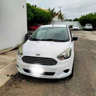 car cancun 2.jpg