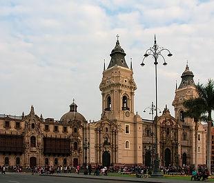historic-centre-3416862_640.jpg