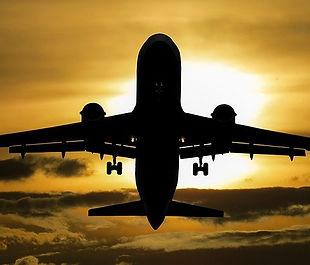aircraft-1362586_640.jpg