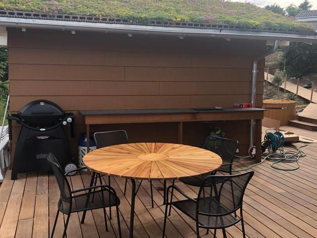 Terrasse bagved saunaen