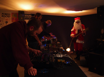 Control Voltage Christmas Live Set