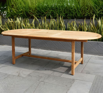nassau-oval-table-with-monza-stacking-di