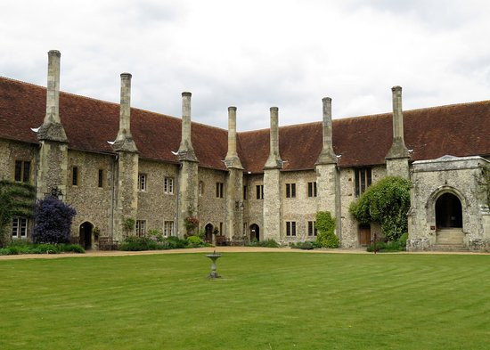 The Hospital of St Cross: encouraging Swifts back to their ancient home